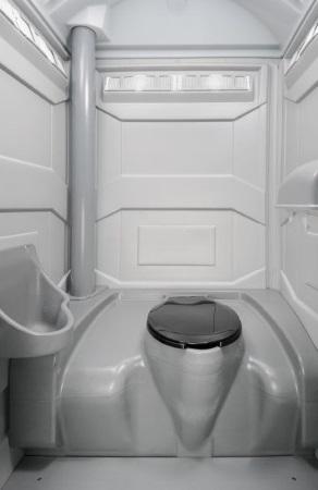 Baustellen-Toilettenkabine-Innenraum-mieten-nuernberg
